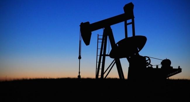 Нефть дорожает нафоне уменьшения запасов вСША