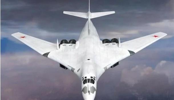 РФ усилила защиту Арктики сверхзвуковыми ракетоносцами Ту-160