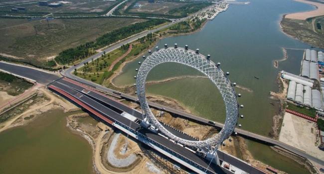 В Китае открыли самое высокое в мире колесо обозрения
