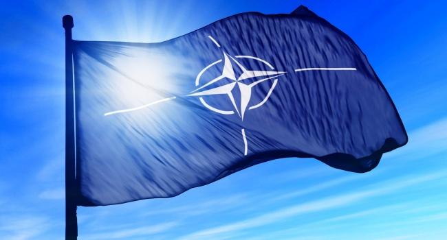 НАТО Венгрию не слушает: поддержка Украины продолжится