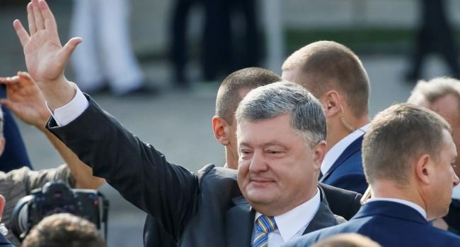 Блогер: пусть Порошенко перерезает все больше новых ленточек, чтобы утереть нос тем, кто говорит словами Киселева