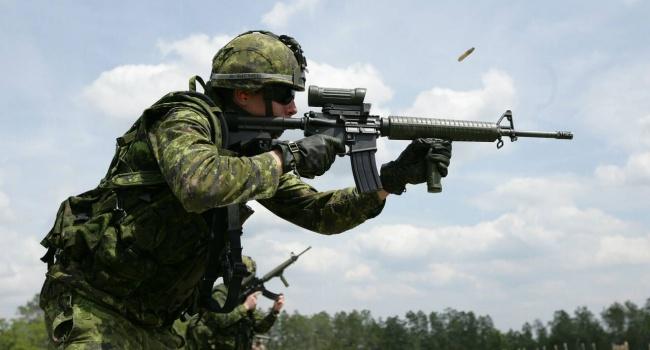 ВКанаде предложили предоставить Украине оружие