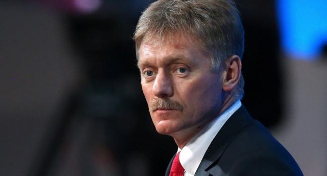 Песков не считает, что РФ нарушает договоренности из-за недопуска украинского омбудсмена к Сенцову и Карпюку