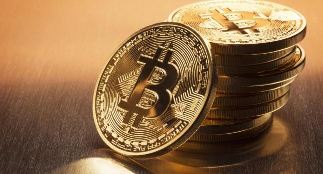 Криптовалюта биткоин снова торгуется ниже $6 тыс.