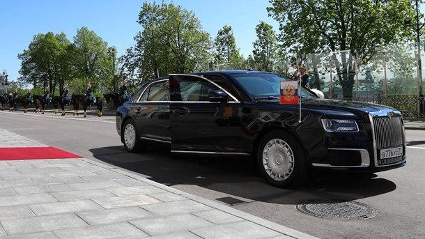 В Хельсинки для встречи с Трампом доставили новый лимузин Путина