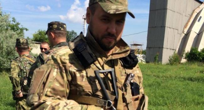 Гриценко похвастался, что его сын защищал Днепропетровский аэропорт, это не Донецкий конечно, но тоже ведь сойдет, – Бирюков