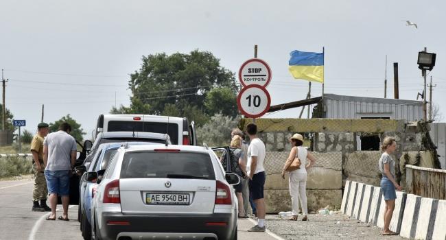 На обустройство КПП с Крымом выделено сто миллионов гривен