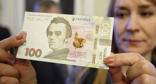 Банкир: не верьте никому о коварных заговорах относительно курса гривны, валюта не должна быть стабильной