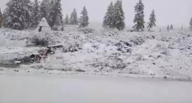 В российской Бурятии выпал снег