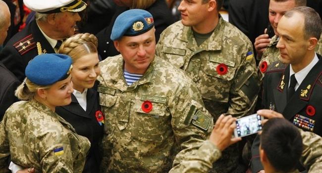 Завтра Тимошенко официально начинает использовать тему армии в своей предвыборной кампании