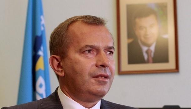 ЕС частично снял санкции с Клюева