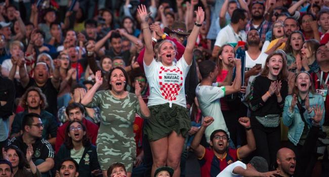 «Слава Украине!» гремело на всю Москву, по всем каналам страны, в каждом «ватном» доме – на всю Россию