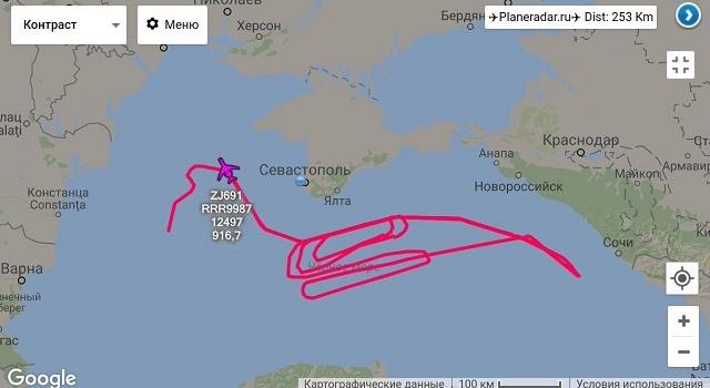 Британский самолет-разведчик засекли уберегов Крыма