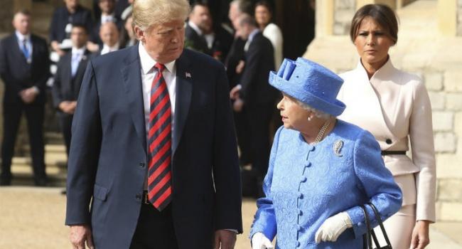 С Трампом случился досадный конфуз на встрече с королевой