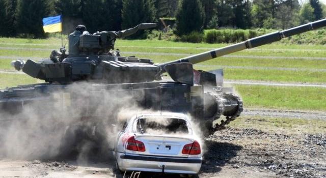 «В отставку не собирается никто?»: в Украине на свалке обнаружили новейшую военную технику