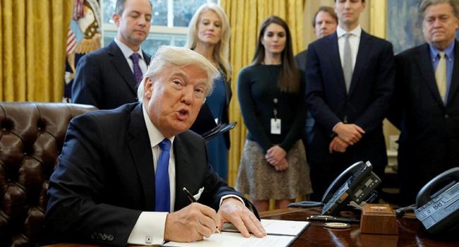 Оправдания Трампа: в США раскритиковали президента, назвав его «контролируемым имуществом»