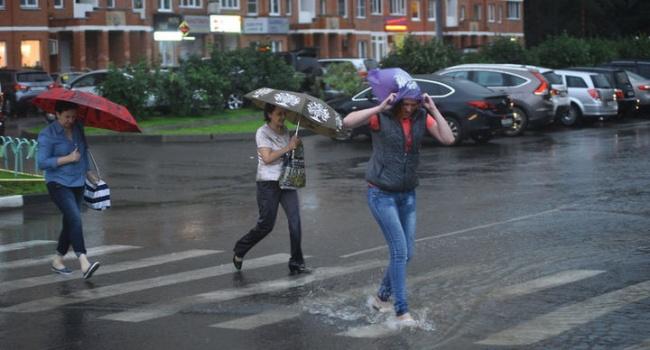Облачно и очень дождливо: погода 19 июля