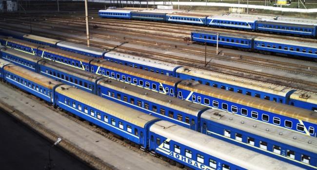Руководитель «Укрзализныци» поручил закончить закупку наградных знаков «Почетный железнодорожник» в РФ