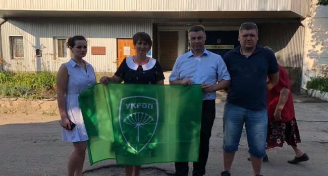 У Коломойского решили подать в суд на Порошенко за помощь армии