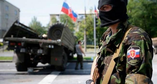 Проходили службу кадровые российские офицеры: террорист на камеру рассказал о действиях путинской армии на территории Донбасса