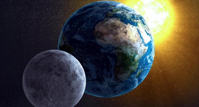 Вокруг Земли уже 100 лет вращается еще одна Луна