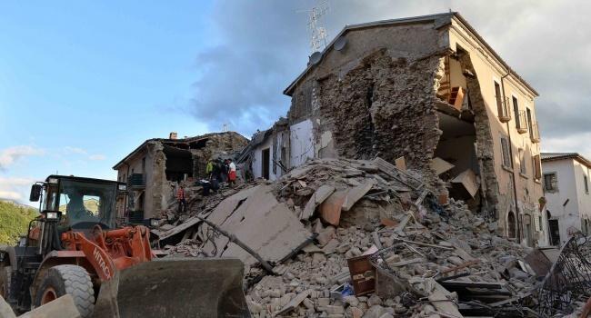 Мощное землетрясение в Венесуэле: власти объявили срочную эвакуацию