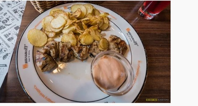 Блогер показал, сколько стоит обед в хорошем ресторане Симферополя