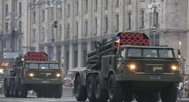 Доник: парад на Крещатике показал на какой уровень, из дерьма, вытащили армию и страну за четыре года