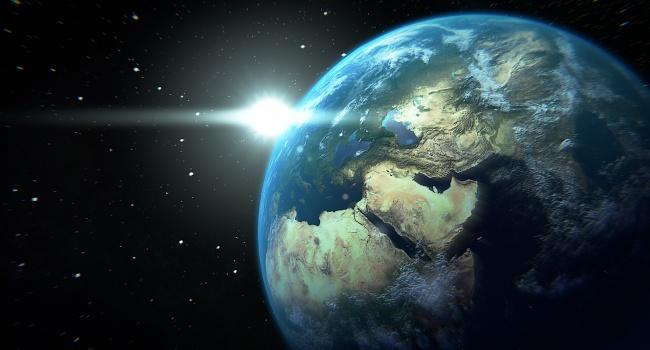Ученые допустили разрушение Земли черной дырой