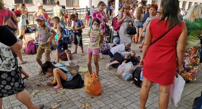 Жители Армянска рассказали о массовой эвакуации детей