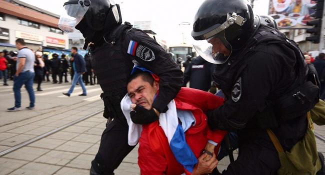 На митингах в России задержали несколько сотен человек