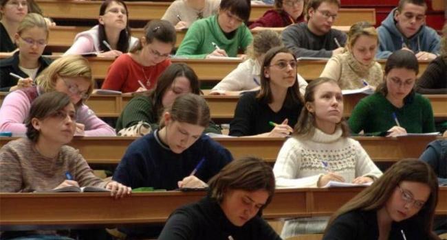 Только 10% украинских студентов в Польше намерены вернуться домой