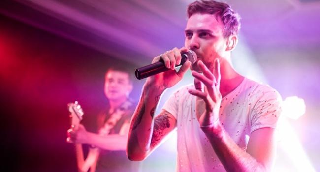 Украинский певец стал лучшим музыкантом года на территории России