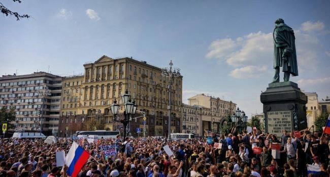 «Это начало»: Боровой спрогнозировал исход протестов в России