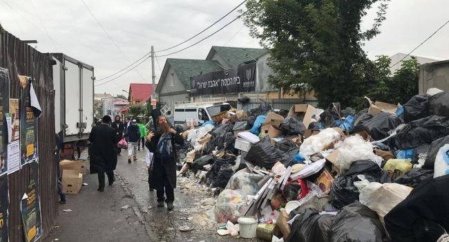 «Оставляют горы мусора и ходят с оружием»: жители Умани жалуются на хасидов, публикуя в сети ужасающие фото