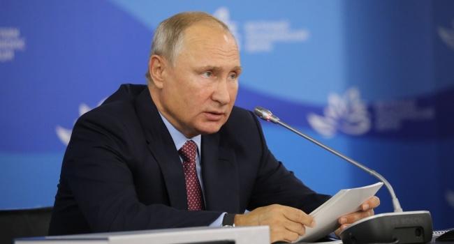 Эксперт: «Путин говорит, что в России всё хорошо, но при этом денег на пенсии нет. Это как?»