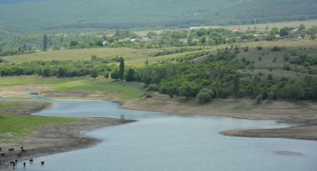 Оккупанты Крыма запаниковали из-за нехватки питьевой воды