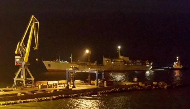 «Дошли!»: украинские корабли прибыли в порт Бердянска