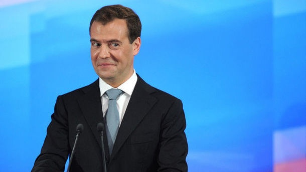 Медведев о санкциях: СССР жил под ними десятки лет, и ничего