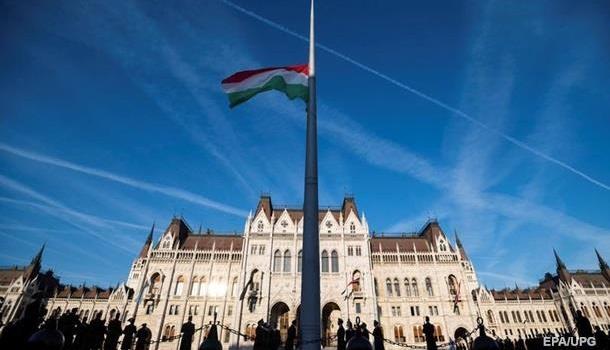 Экс-министр Венгрии заявил о поддержке Киева в споре с Будапештом