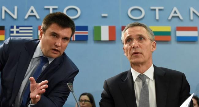 Украина просит НАТО помощи в укреплении безопасности складов боеприпасов