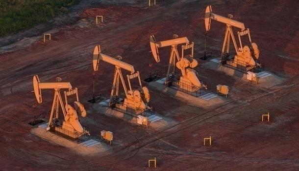 В конце недели цена нефти опустилась ниже 80 долларов