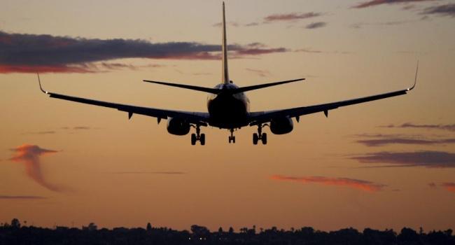 США вновь разрешили своим авиакомпаниям летать над востоком Украины