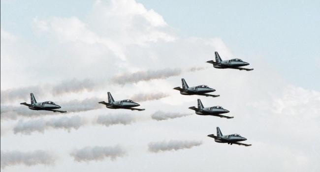 СМИ: Обнаружены останки пилотов российского самолета, упавшего в Азовское море