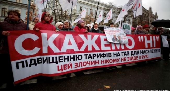 Медведчук поделился массовкой Рабиновича для митинга Тимошенко против повышения тарифов на газ