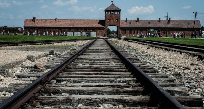 Поляки подали в суд на украинцев из-за игры про Освенцим