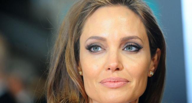 Двойной удар: Джоли снова предала Энистон и встречается с ее бывшим мужем