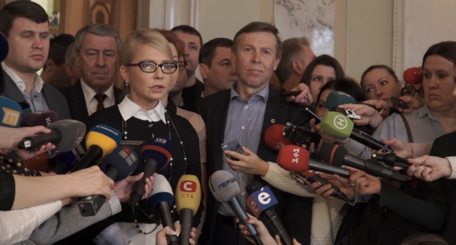 Политолог: как в воду глядел – Тимошенко и компания добились того, что рассмотрение законов, касающихся обороны – заблокировано