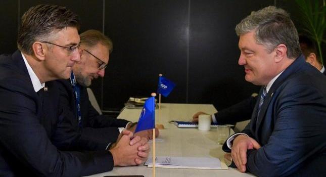Порошенко договорился с премьером Хорватии об усилении санкций против РФ