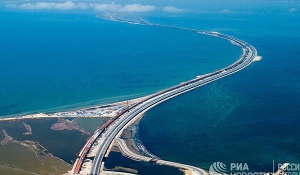«Крым дрейфует в сторону РФ»: в Госдуме прокомментировали «поехавший» Керченский мост